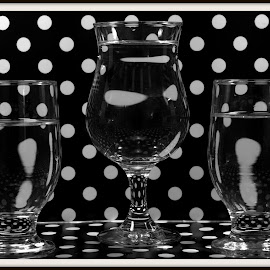 Black and White Polka Dots by Wendy Thorson - Artistic Objects Glass