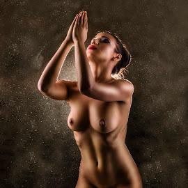 Pray by Todor Lichev - Nudes & Boudoir Artistic Nude ( body, nude, girl )