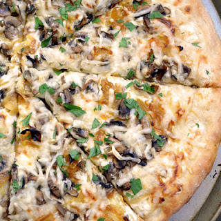 Caramelized Onion & Mushroom White Pizza