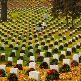 2014December13_ArlingtonCemetaryWreaths.jpg