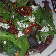 Spinach Pecans and Gorgonzola Salad With Sherry Vinaigrette