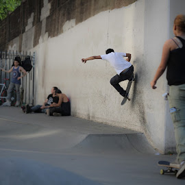wall ride by Kelvin Fanas - Sports & Fitness Skateboarding