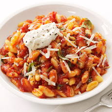 Cavatelli With Tomato Sauce and Ricotta