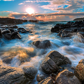the rise of the mighty sun by Surya Fajri - Landscapes Sunsets & Sunrises ( canon, cathedralrocks, sunrise )