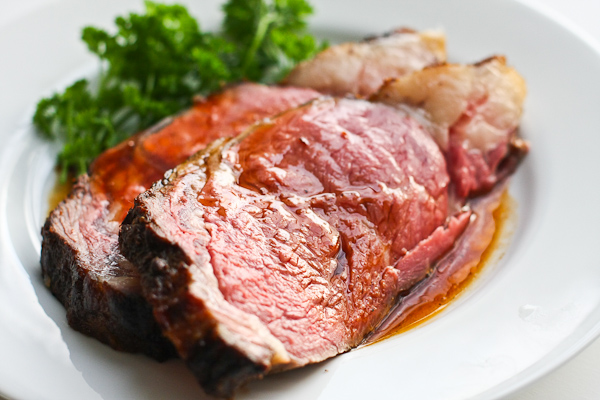 Perfect Prime Rib Roast with Red Wine Jus Rezept | Yummly