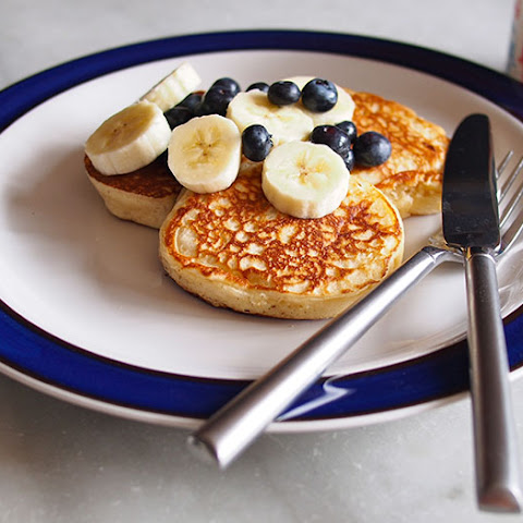 Low-Fat Vanilla Yogurt Pancakes