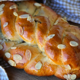 Vanocka – Traditional Czech Sweet Bread