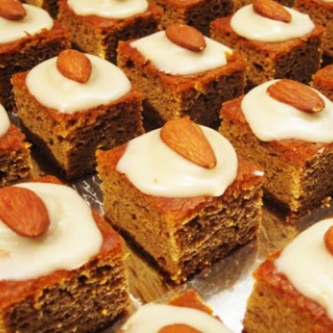 Paleo Pumpkin Gingerbread Cake With Maple-Vanilla Frosting ...