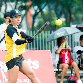 Soft Ball Hit by Daniel Chua - Sports & Fitness Other Sports ( soft ball, ball, girl, 70-200, action, sport, nikon, photography, singapore, soft )