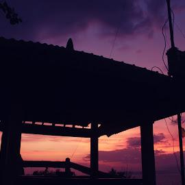 Gubuk Senja by M Darusman - Buildings & Architecture Other Exteriors ( sky, purple, sunset, silhouette, warmth, siluet )
