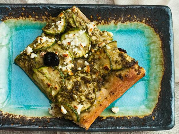 Zucchini and Pesto Pizza Recept | Yummly