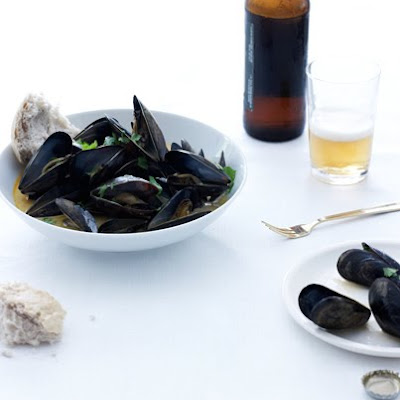Curried Mussels in White Ale