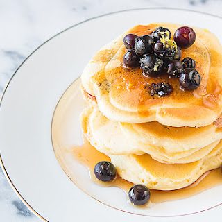 EASY LEMON BLUEBERRY PANCAKES