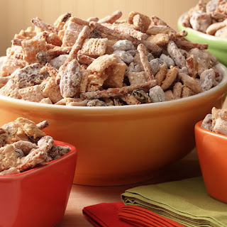 Kitchen Sink Snack Mix