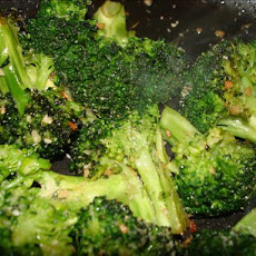 Broccoli with Lemon-Garlic Crumbs