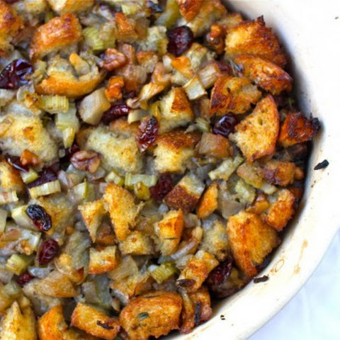 Bread Stuffing with Seasonal Fruits and Herbs