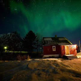 The cabin by Marius Birkeland - Buildings & Architecture Homes ( cabin, sky, aurora borealis, aurora, house )