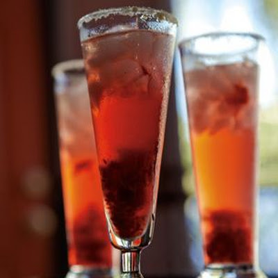 Sparkling Limoncello-Raspberry Cocktail