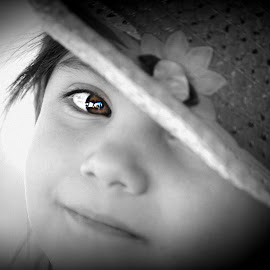 My lovely. by Chelsea Hurst - Babies & Children Child Portraits ( daughter, brown, beauty, portrait, hat, eye )