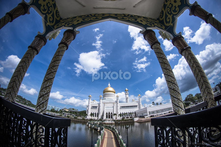 Sultan Omar Ali Saifuddien Mosque by Cristopher Selga - Buildings & Architecture Places of Worship ( clouds, blue, mosque, brunei )