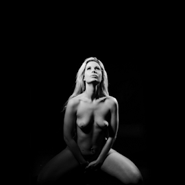 How can I hide by Vineet Johri - Nudes & Boudoir Artistic Nude ( art nude, vkumar photography, fiona york, studio lighting workshop london, lighting over the head )