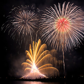 Fire work by Dede Sutarno - Abstract Fire & Fireworks ( japan, color, fireworks, enoshima )