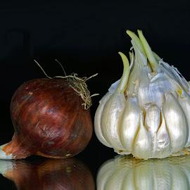 Onion-garlic friendship by Asif Bora - Food & Drink Fruits & Vegetables (  )