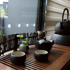 Traditional Chinese Tea Set by Julia Goh - Artistic Objects Cups, Plates & Utensils