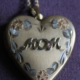 Mom by Anna Tripodi - Artistic Objects Clothing & Accessories ( gift, beautiful, neclace, mom,  )