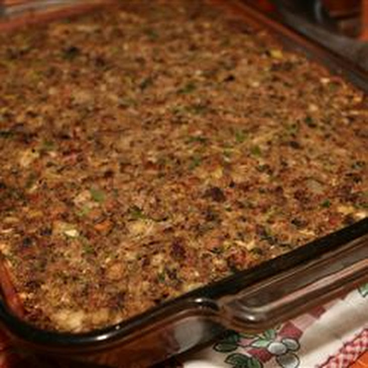 Sausage, Bacon, Apple and Cornbread Stuffing Recipe | Yummly