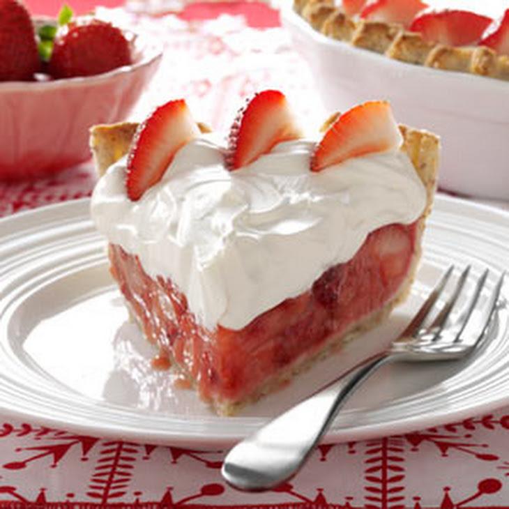 Fresh Strawberries & Amaretto Cream Pie Recipe | Yummly