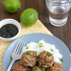 Sriracha & Lime Turkey Meatballs with Dipping Sauce Recipe | Yummly