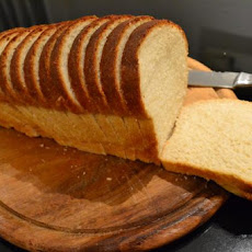 Easy and Yummy White Bread