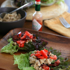 Spicy Chicken Club Lettuce Wraps – Low Carb and Gluten-Free