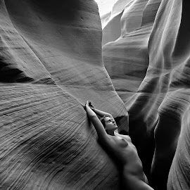 Lines and Curves by Catchlights Fotografie - Nudes & Boudoir Artistic Nude ( model, nude, naked, antelope, artistic, canyon, stone, lines, usa,  )