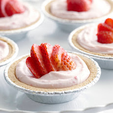 Individual No-Bake Strawberry Cheesecakes