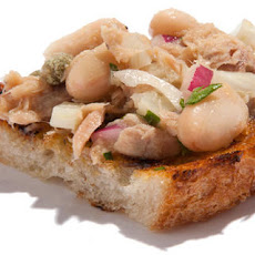 Tuna and Cannellini Bean Bruschetta Recipe