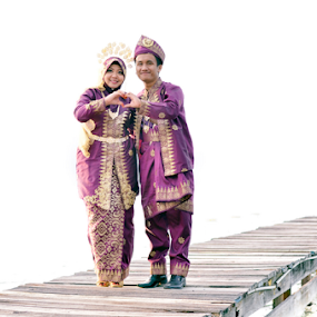 Our Love by Iz Fotografi Art Works - Wedding Bride & Groom ( melayu, tun, kawin, malay, malaysia, iz fotografi, izmir, tun izmir )