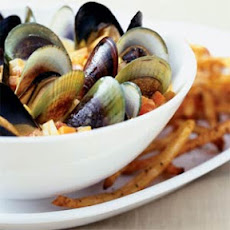 Curried Mussels with Oven Frites