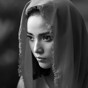 by Sukamoto Bencidisko - Black & White Portraits & People