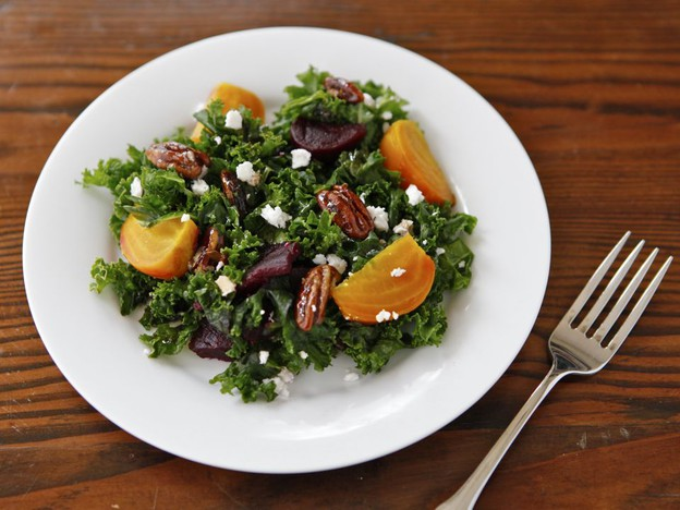 Kale and Roasted Beet Salad with Maple Balsamic Dressing Recept ...