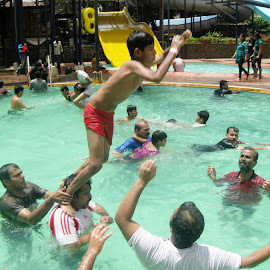 Fun @ Water Park by Roshni Tito - People Group/Corporate ( fun, jump, people, crowd, humanity, society )