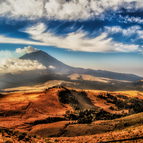 Popocateptl by Cristobal Garciaferro Rubio - Landscapes Mountains & Hills ( field, volcano, popo, popocatepetl, smoking volcano )
