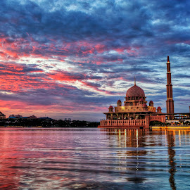 Putrajaya Mosque & sunset by William Wong - Buildings & Architecture Places of Worship ( sunset, putrajaya, mosque )