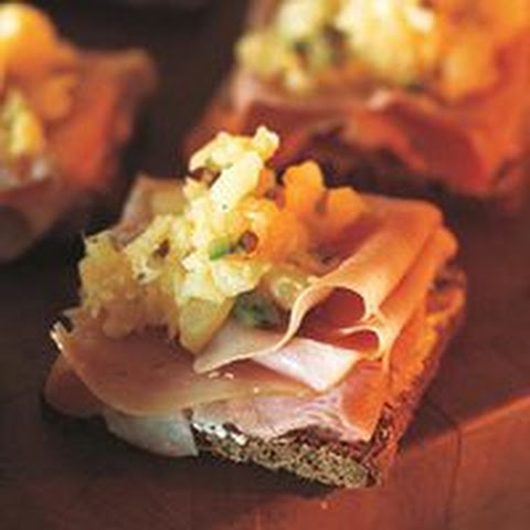 Open-Faced Ham Sandwiches with Pineapple Relish