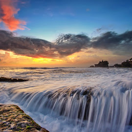 The Water Spilled by Arya Satriawan - Landscapes Sunsets & Sunrises ( nature, national geographic, sunset, beach, tanah lot, landscape, water splash )