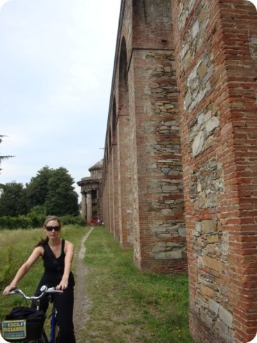 biking lucca aquaducts