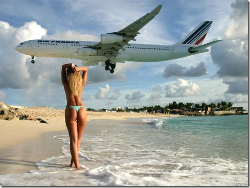 landing-planes-girls-beach-sea_big