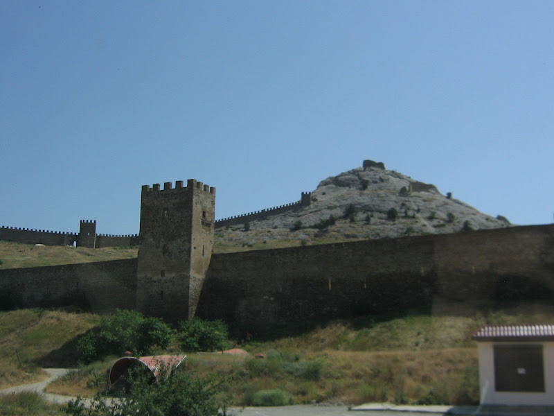 Крым, крепость по дороге к Новому Свету