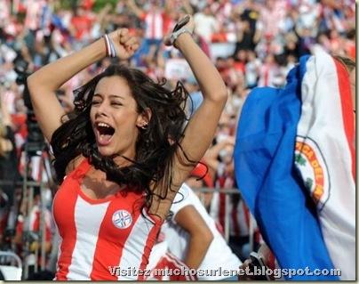 Larissa Riquelme-5